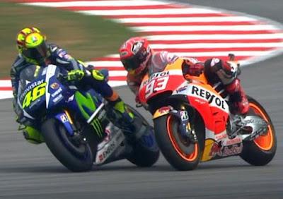 Mirip Insiden Rossi vs Marquez, Tapi yang Ini Lebih Parah