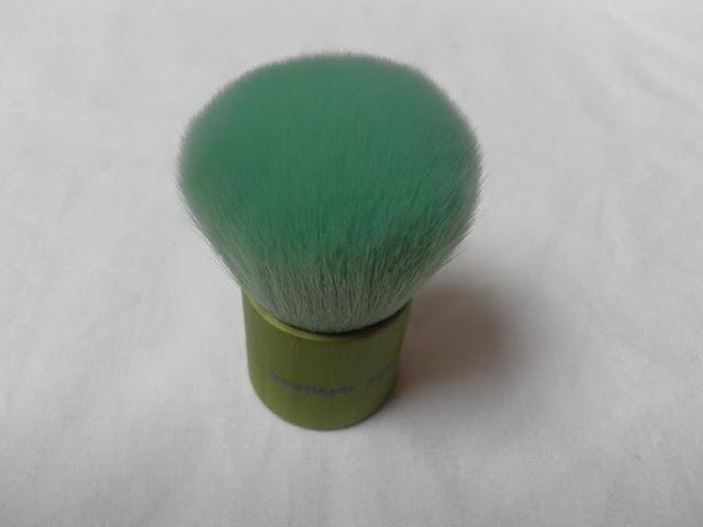 A picture of Bdellium 995 Green Bamboo Kabuki Brush