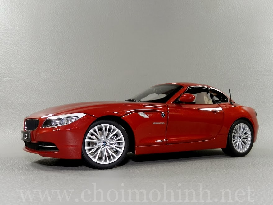 BMW Z4 sDrive35i (E89) 1:18 Kyosho side
