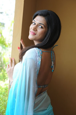 shraddha das bare back actress pics