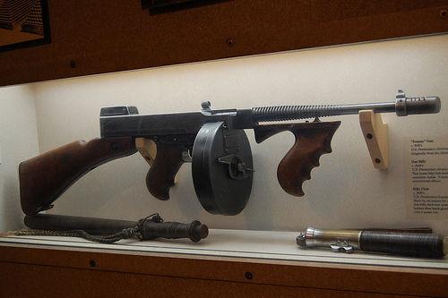 Submachine Gun Pictures. Thompson submachine gun