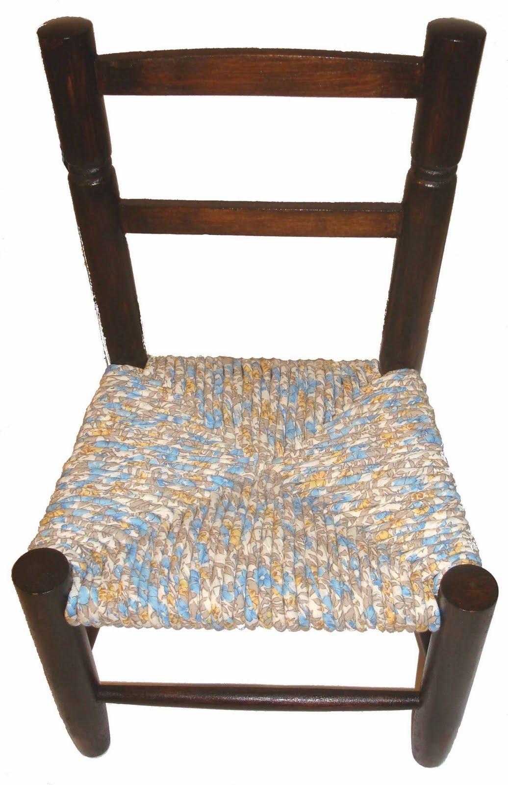 cr ation et peinture sur porcelaine a d couvrir le rempaillage des chaises en tissu. Black Bedroom Furniture Sets. Home Design Ideas