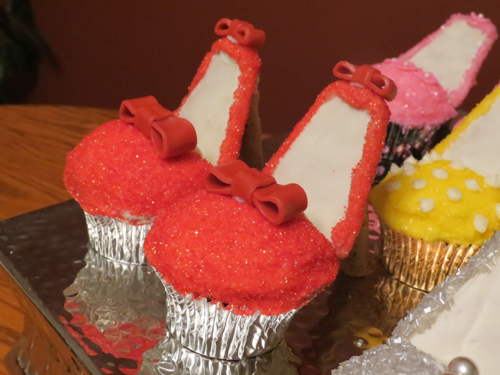 the frosting high heel shoe cupcakes