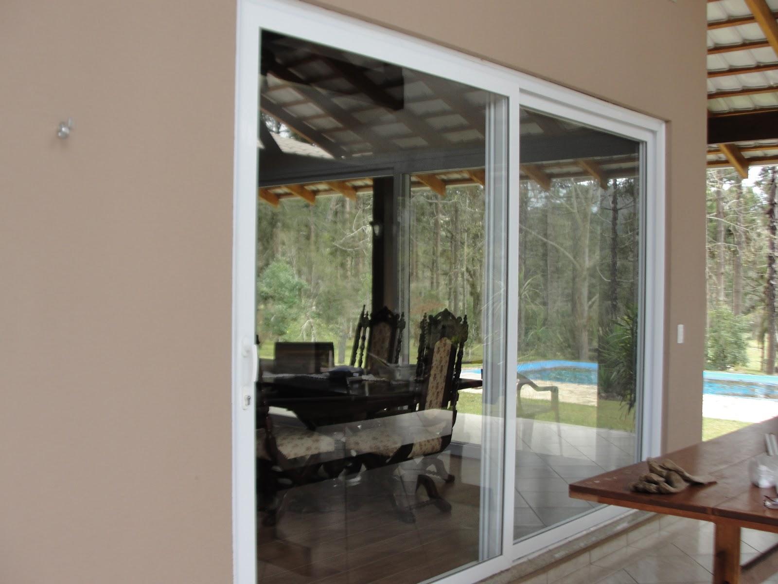 #604735 Janelas Tudo em esquadrias em PVC: Casa com portas e janelas em  1152 Portas E Janelas De Madeira Em Bh Preços