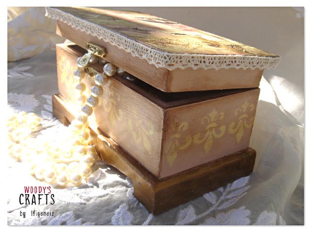 ξυλινα χειροποιητα διακοσμητικα,χειροποιητη μπιζουτιερα,ξυλινες χειροποιητες μπιζουτιερες,ξυλινη κοσμηματοθηκη χειροποιητη,ξυλινες διακοσμητικες μπιζουτιερες,ξυλινη μπιζουτιέρα με τεχνική ντεκουπαζ
