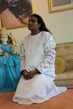 Orações de Domingo em Shree Pheeta Nilaya