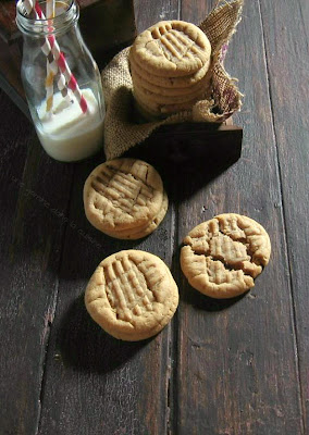 Old Fashioned Chewy Peanut Butter Cookies / une gamine dans la cuisine