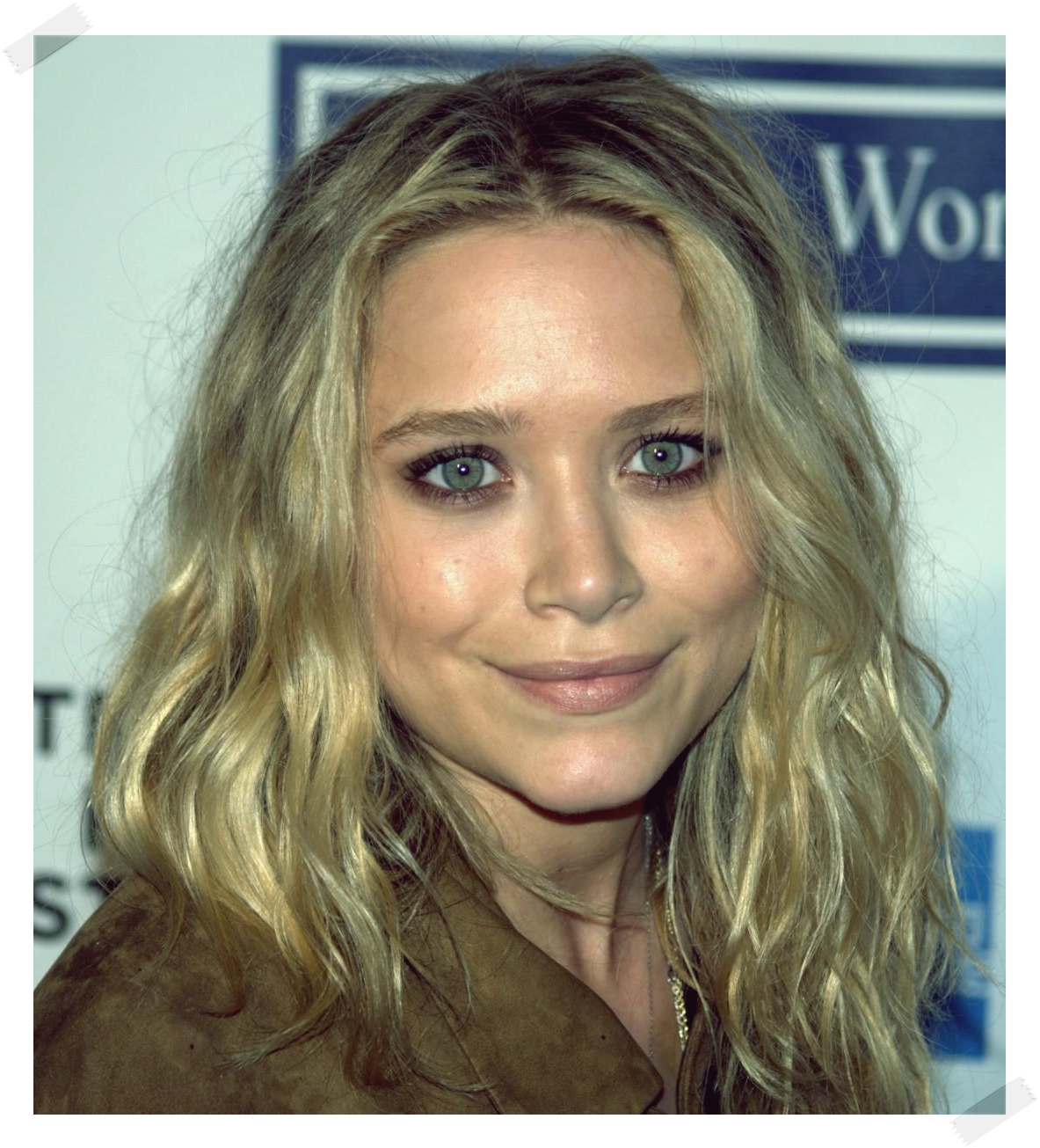 http://2.bp.blogspot.com/-69cty9vzD04/T3Cw0kjpqQI/AAAAAAAAAMk/cVb1djdb5lI/s1600/934_mary-kate-olsen-at-the-tribeca-film-festival-mary-kate-olsen-make-up-290783044.jpg