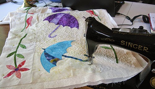 Free motion quilting table runner