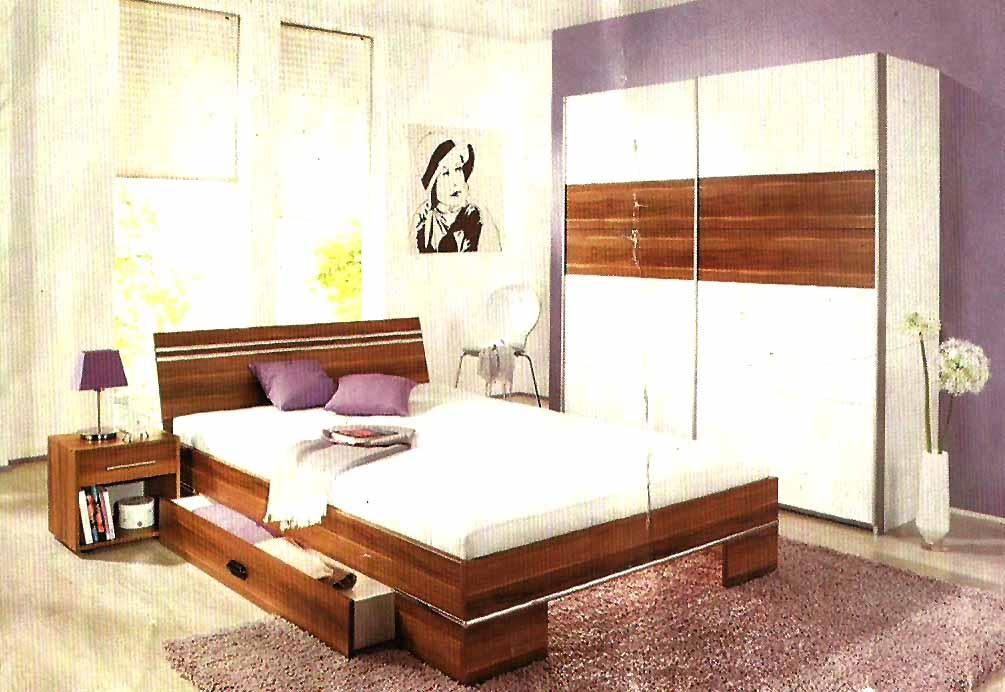 Camas tarimas de madera con cajoneras auxiliares - Cabecero de cama con fotos ...
