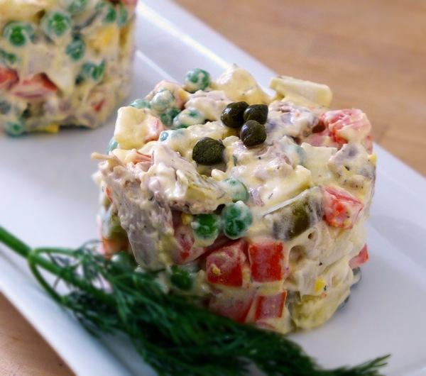 Салат из колбасы п к