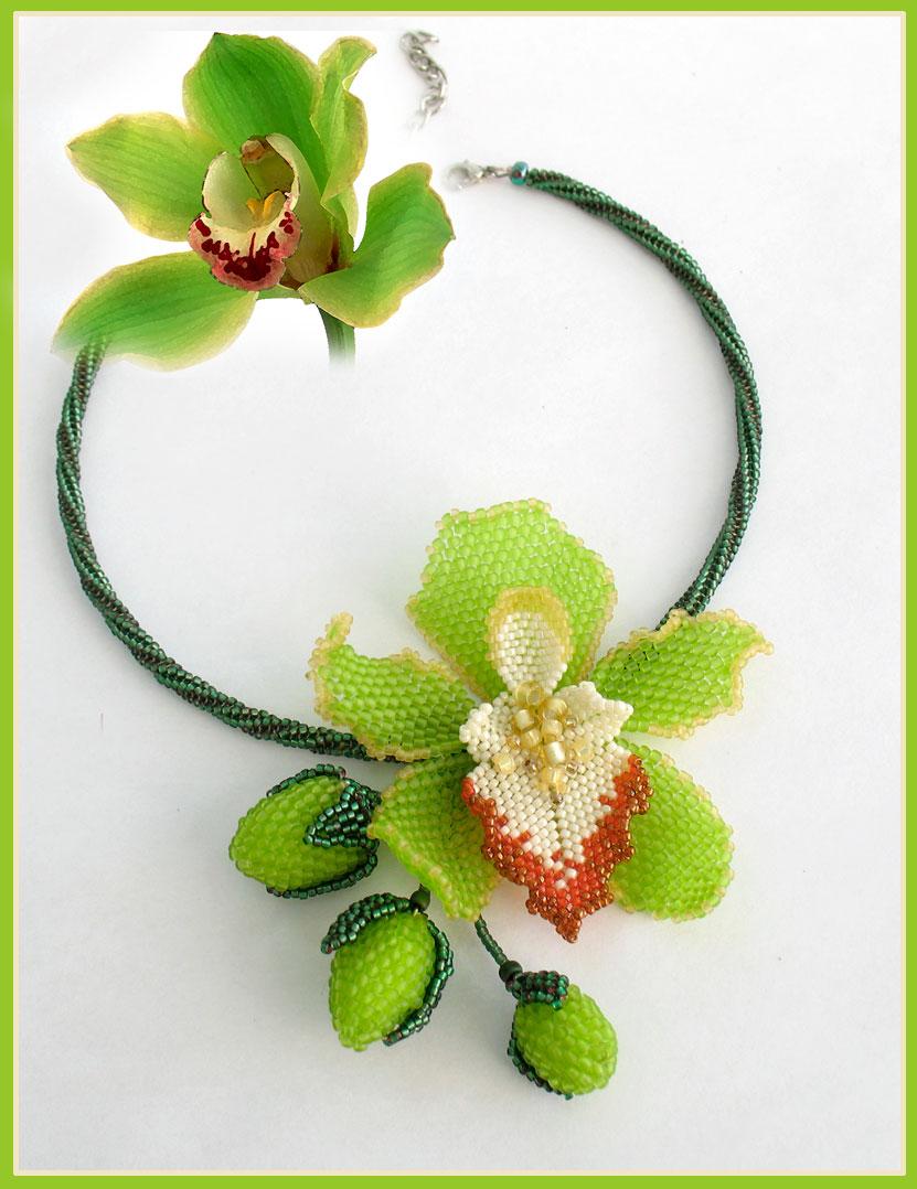 Орхидея Из Бисера и Схема к ней содержится в этом фотоматериале. .  Здесь указан и описан способ плетения, а также...