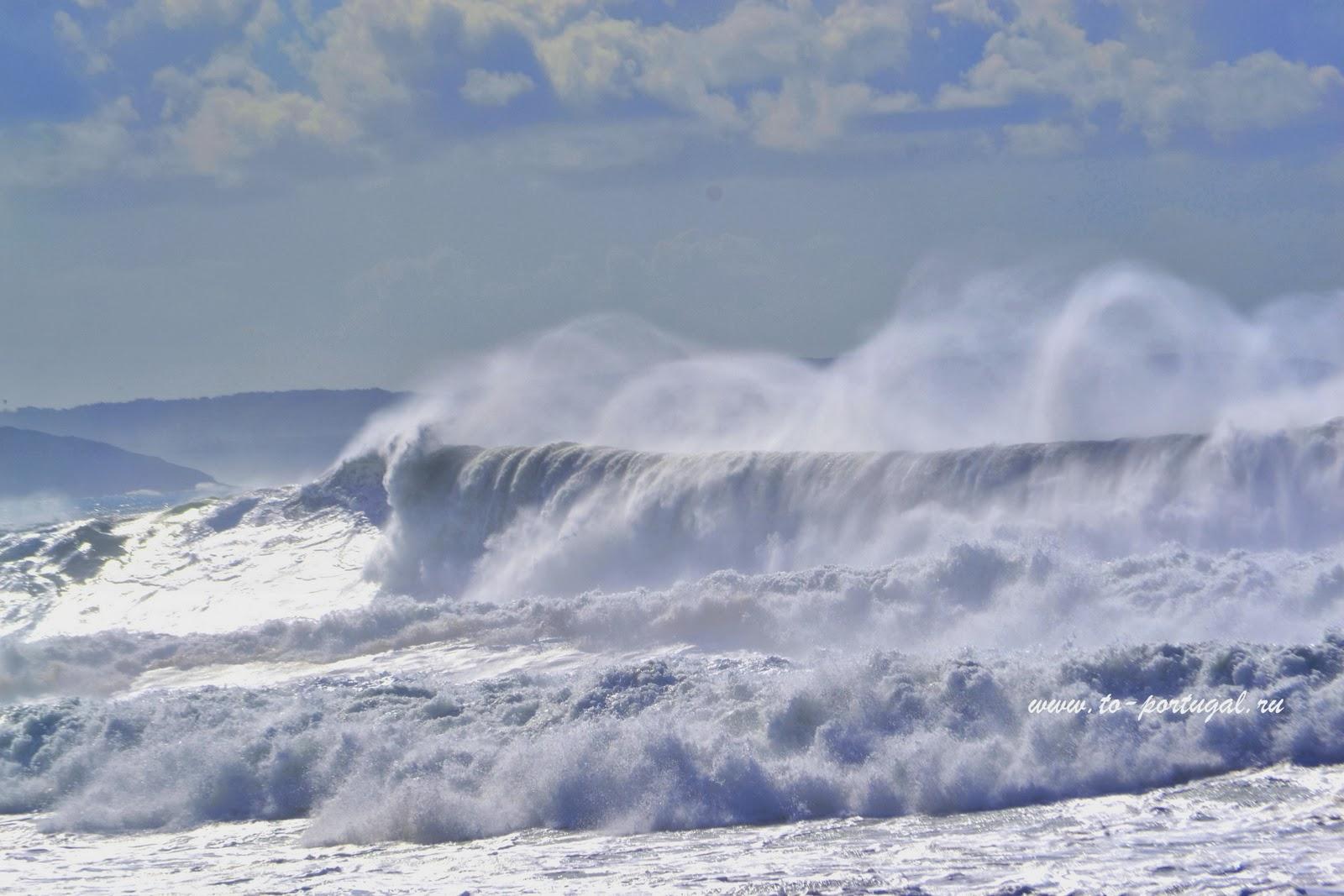 волна в Португалии