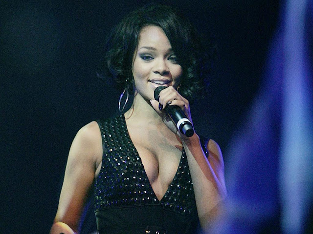 Rihanna Hot New HD Pics