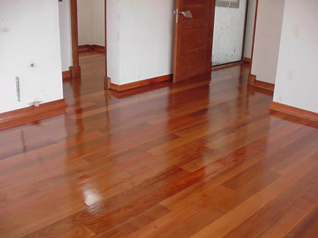 Remodelarmegusta pisos de madera hidrolaquear o for Pisos de bar madera