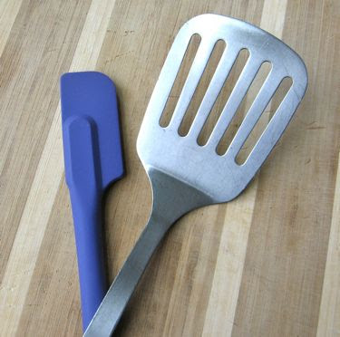 flat serving spatula and silicone scraper spatula