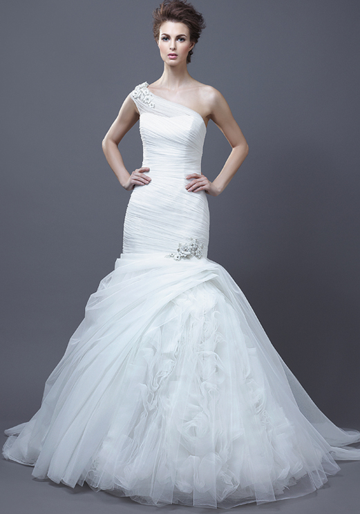 la firma enzoani nos presenta su coleccion de vestidos de novia