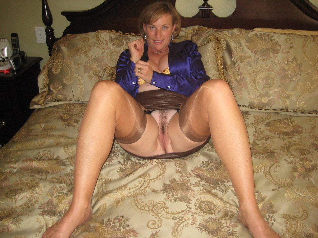 My Nylon Dreams - quality pantyhose, stockings and uniform