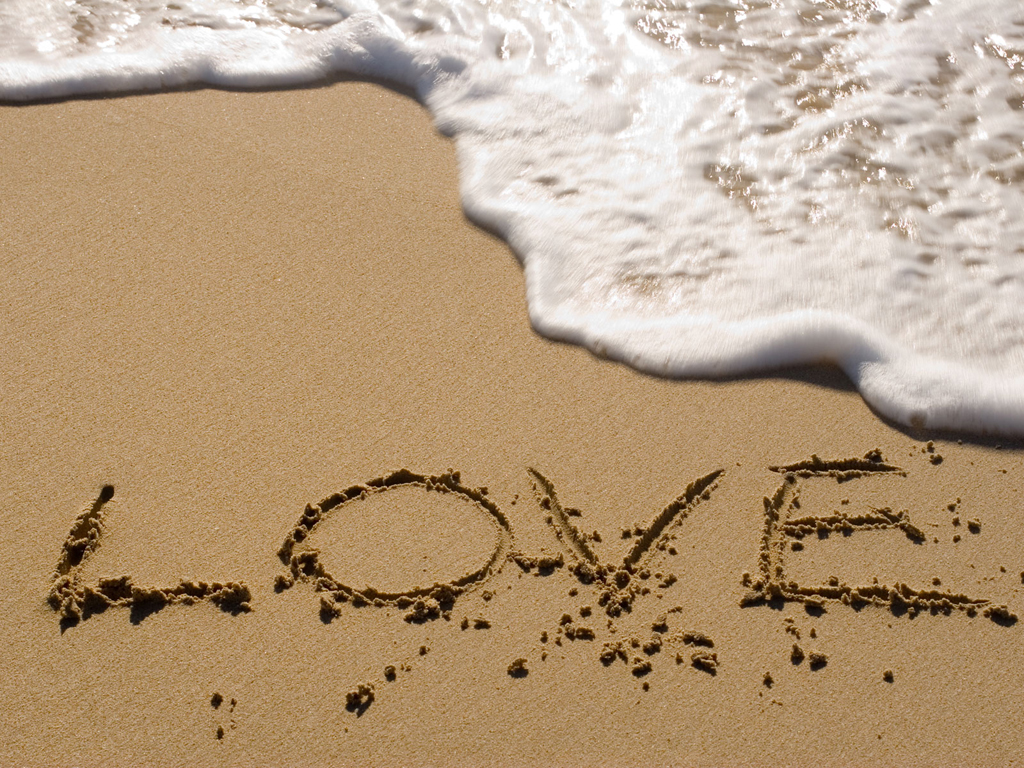 http://2.bp.blogspot.com/-6Ahy-bLDGKc/ThaZM7LMxQI/AAAAAAAAA5M/6ri-G3uDR_M/s1600/sand_love_1024x768.jpg