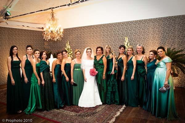 Vestido de madrinha de casamento na cor verde