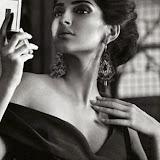 Soonam-Kapoor-Hot-Photoshoot-for-Vogue-September-2014-Stills%2B(3)