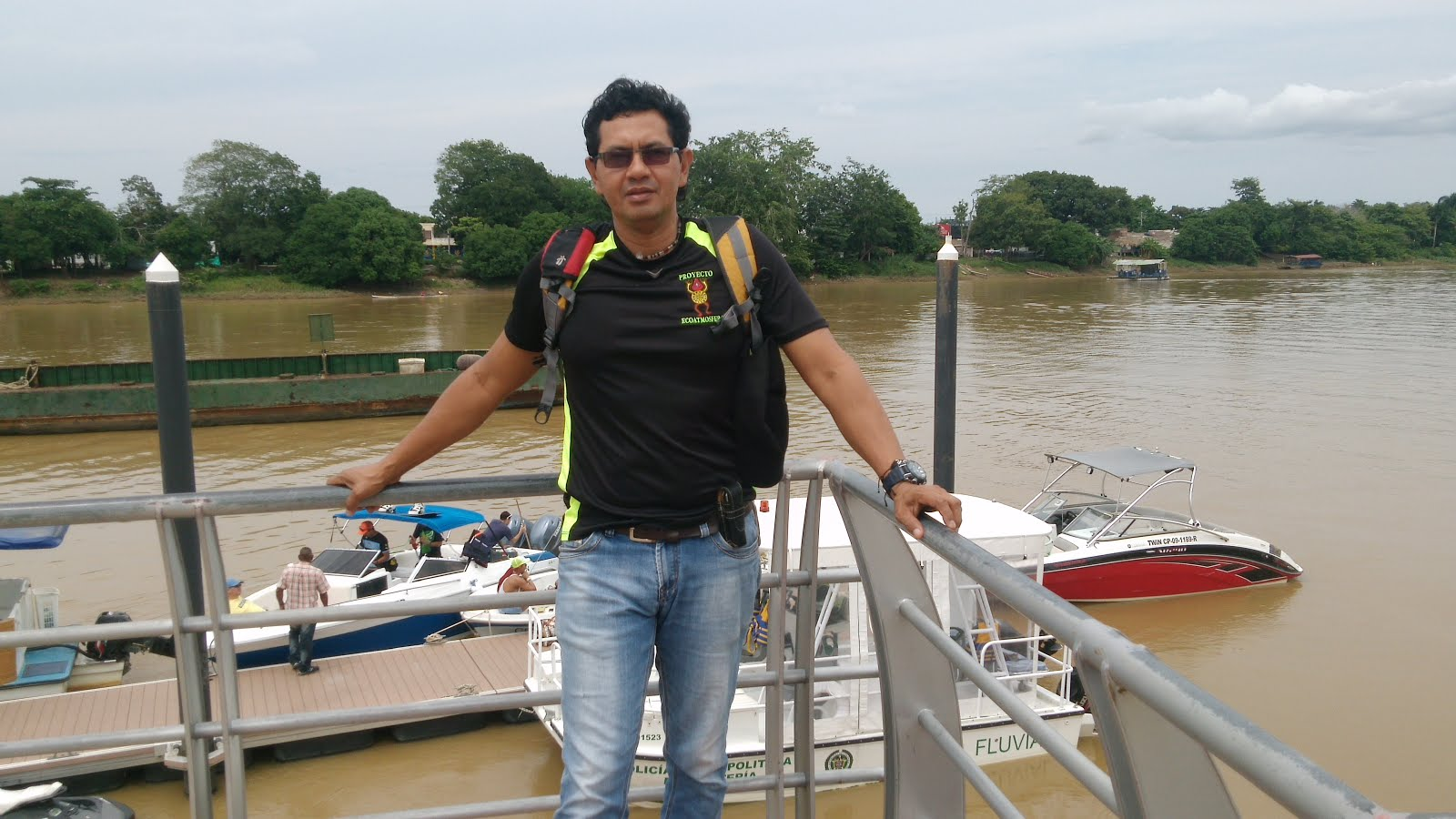 servicio de transporte por el río 2
