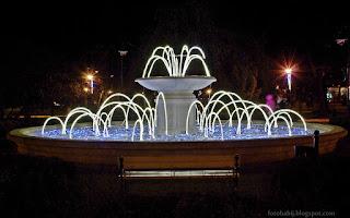 http://fotobabij.blogspot.com/2015/12/puawy-skwer-niepodlegosci-noca-fontanna.html