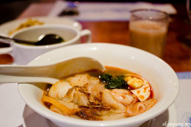 Cafe Mahkota, Mahkota Hotel Melaka