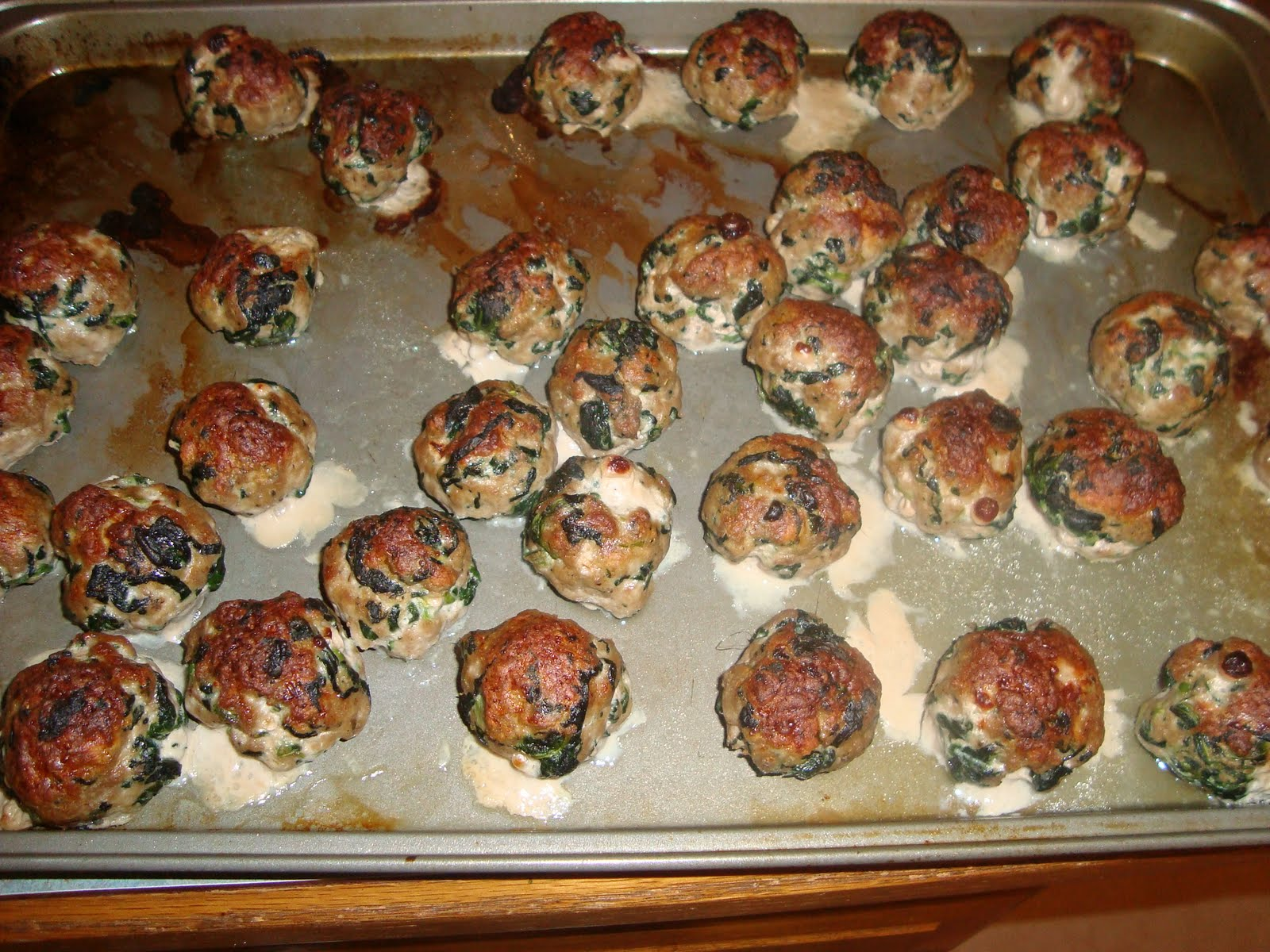 Heart Healthy Turkey Meatballs & Sriracha Marinara - Recipe   Food ...
