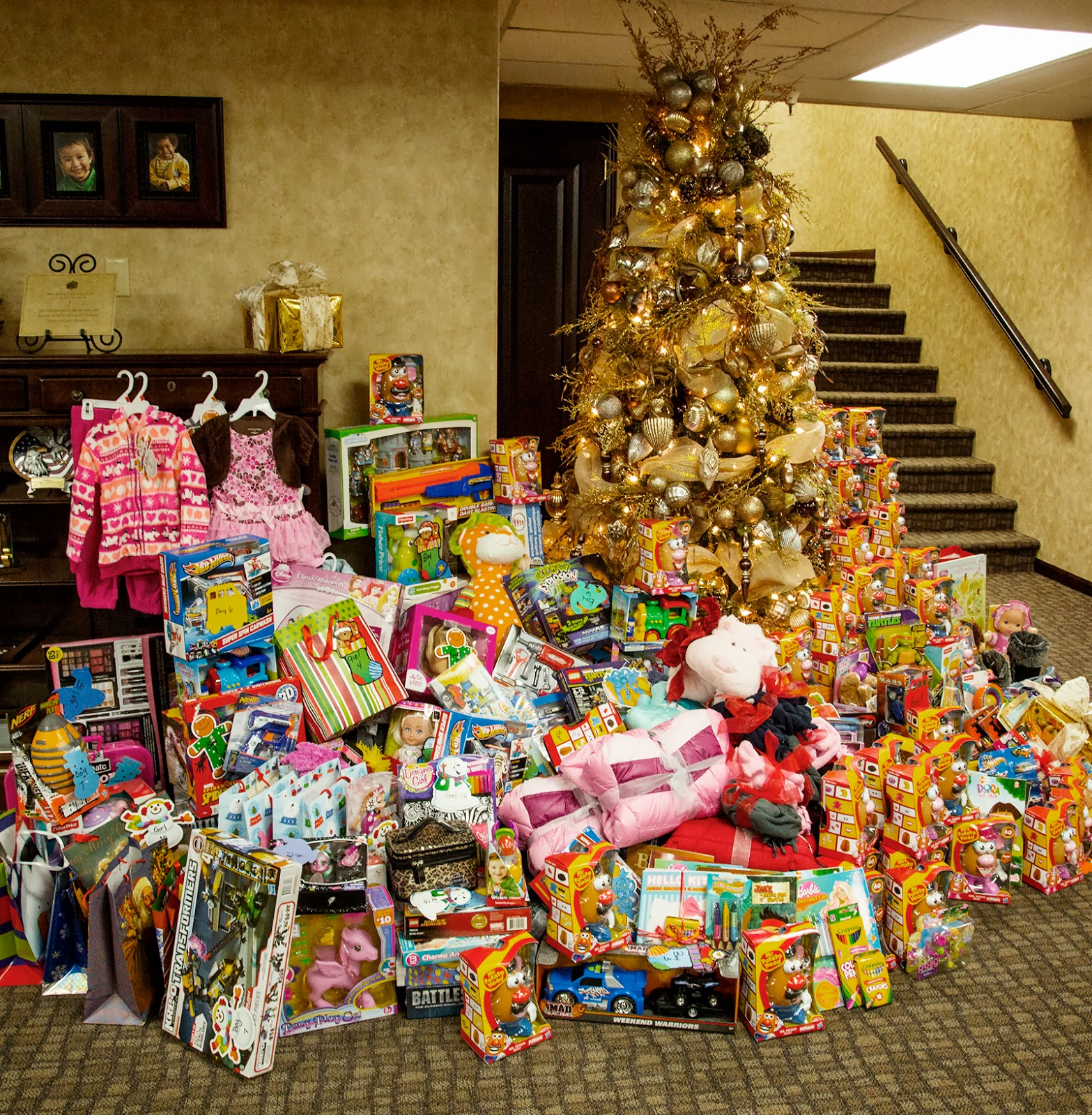 BizMojo Idaho: Melaleuca employees donate food, presents for ...
