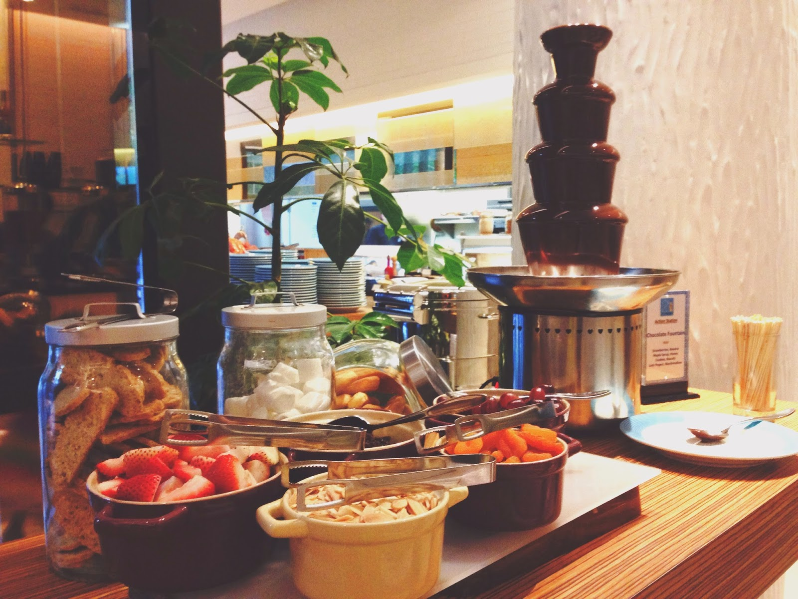 21 on Rajah Days Hotel Zhongshan Park Chocolate Fondue