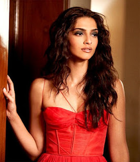 Bollywood Star Lady Sonam Kapoor hot pictures