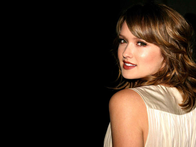 Kaylee Defer wallpaper 2011