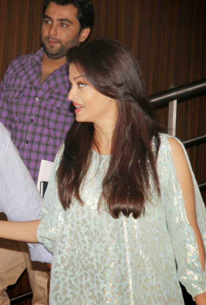 Aishwarya Rai Bachchan Denim Jeans Photos