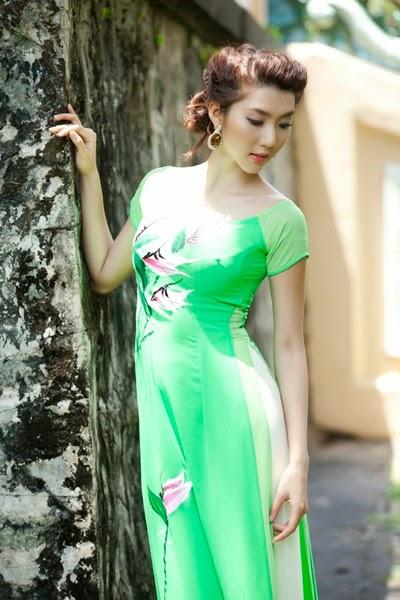 Ảnh gái đẹp diệu dàng trong tà áo dài 17