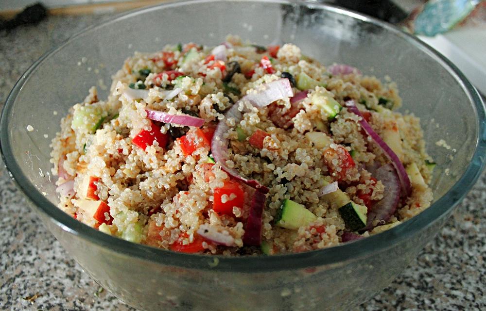 this vegan 39 s life blog rezept quinoa salat in farbe und buuunt. Black Bedroom Furniture Sets. Home Design Ideas