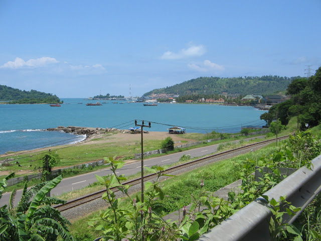 Objek Wisata Pantai Anyer, Banten 5