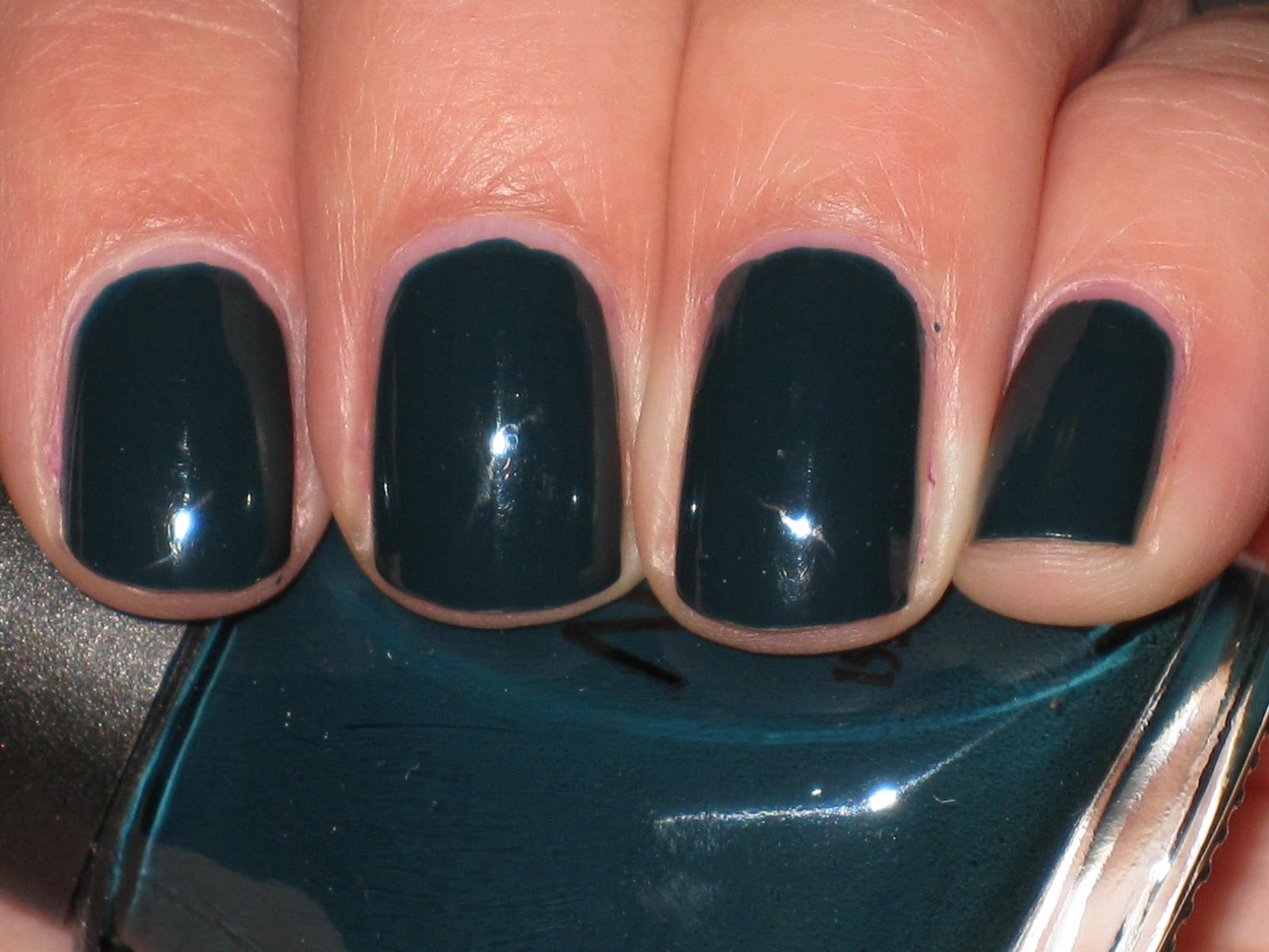 Opi Describes This Shade As Deep Emerald But I Would Say It S More Like A Dark Teal Can Read Green Or Blue Depending On The Light