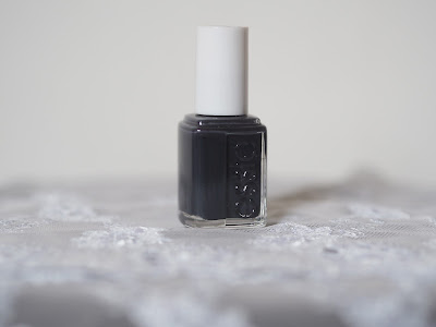 Essie Nail Lacquer - 201 Bobbing For Baubles