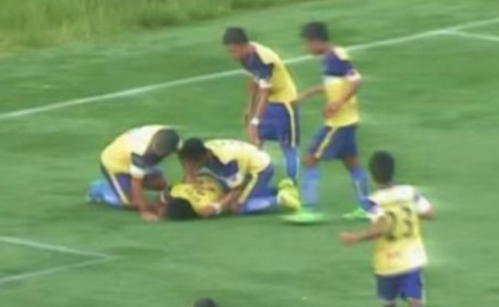 Futbolista Muere al Celebrar un Gol