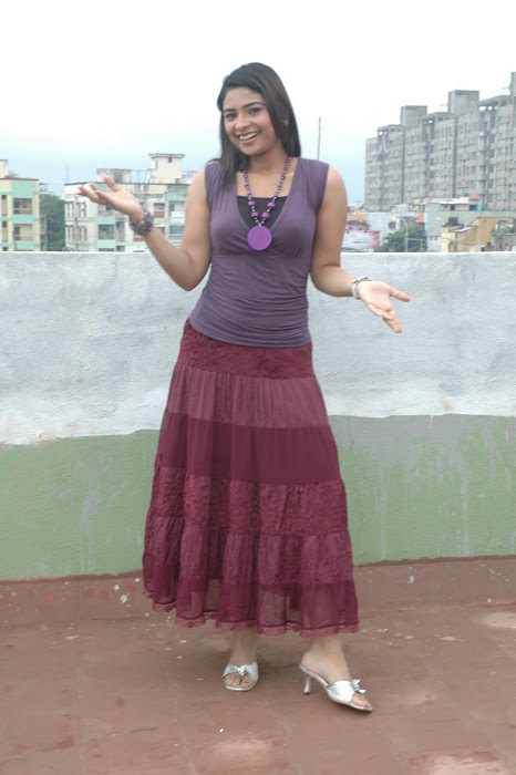 maheshwari the sunkalainger tv anchor real unseen cute stills