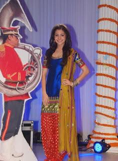 Anushka Sharma Photos, Pics, Wallpapers Gallery