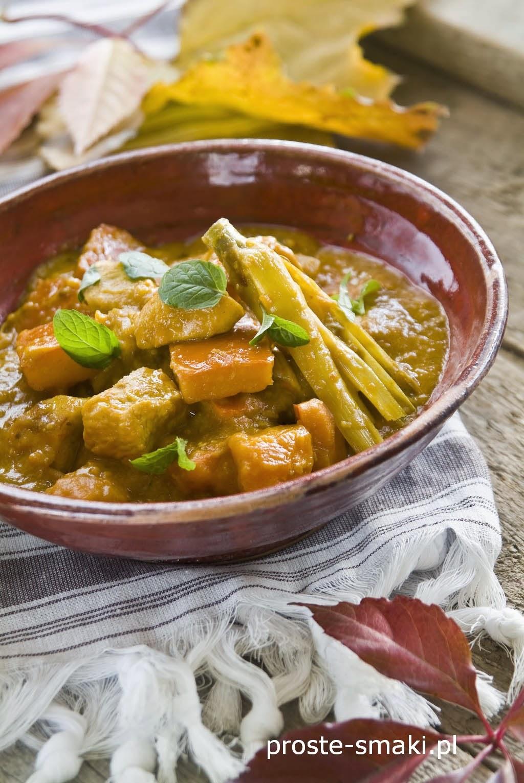 Dyniowe curry z indykiem