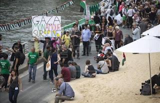 Tel Aviv sobre o Sena ocorre tranquilo