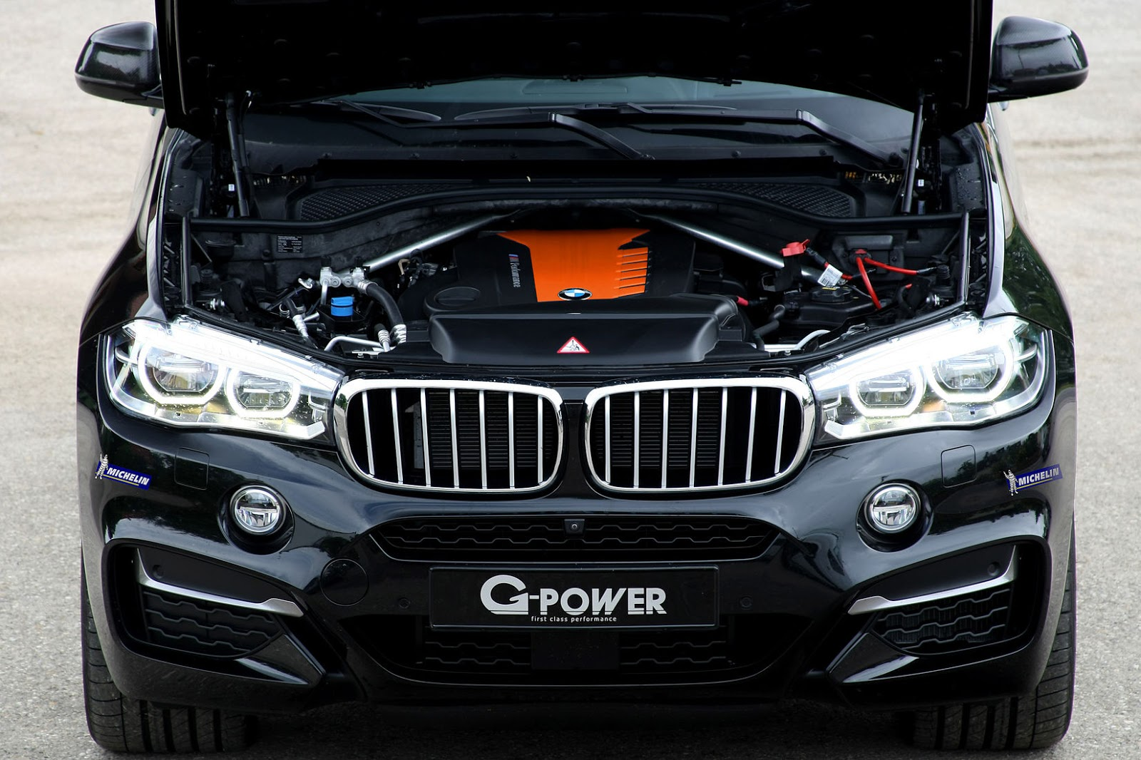 g power finds bmw x6 m50d 39 s sweet spot with 455 diesel fueled horses carscoops. Black Bedroom Furniture Sets. Home Design Ideas