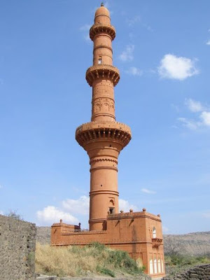 rosy colour Minar in Aurangabad