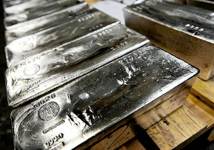 Banks Poised For Gold & Silver Turn As Central Planners Panic