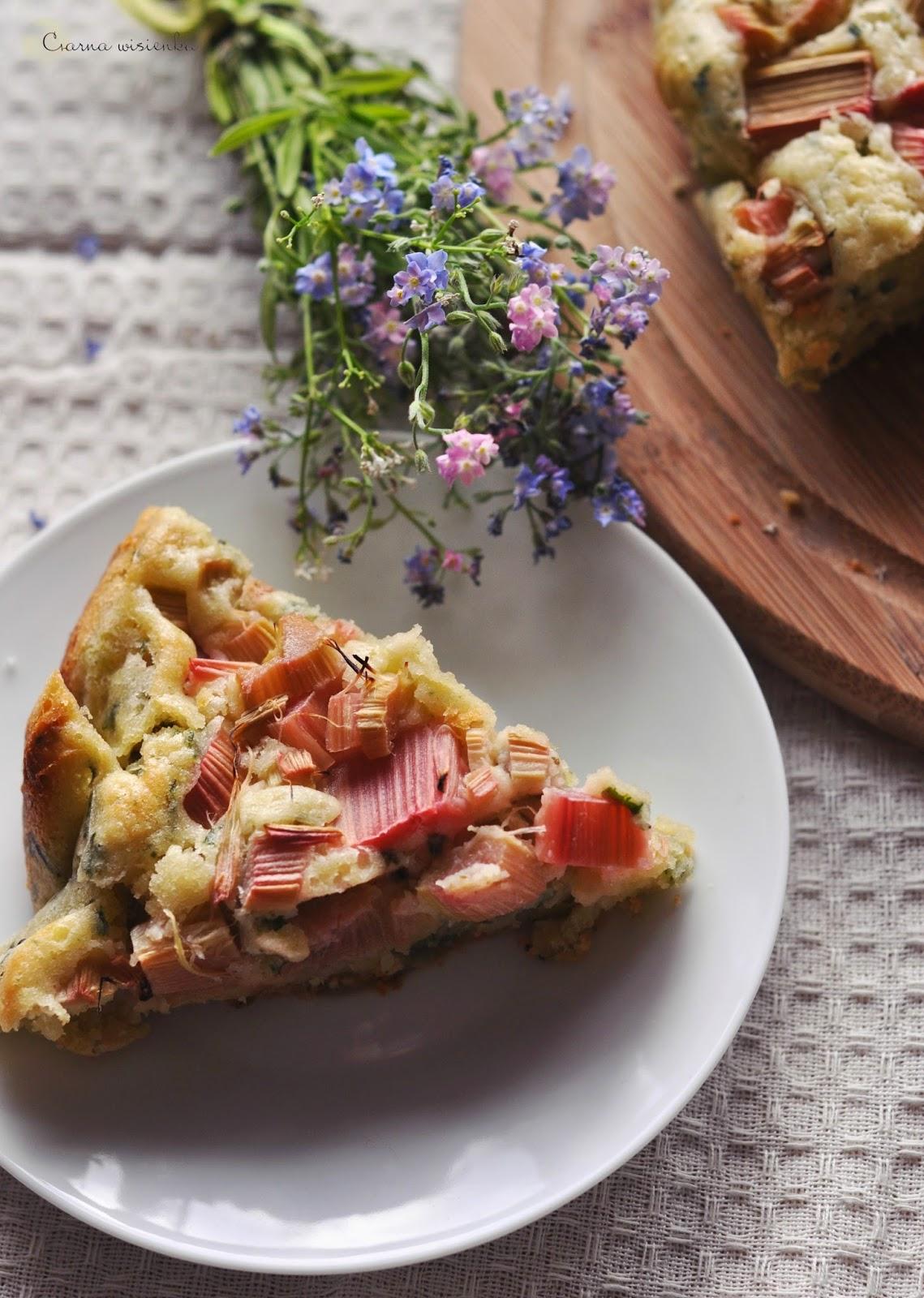 Ciasto ze szpinakiem i rabarbarem