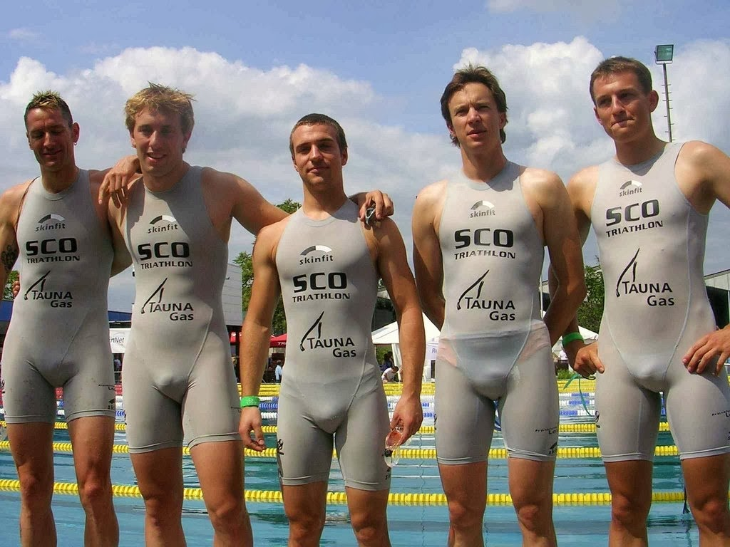 Bulge Cup Mens Swimwear Male Models Picture