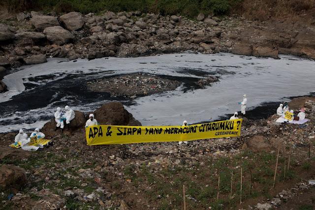 """""""Piknik"""" beracun  ke situs  Geologi Curug Jompo"""